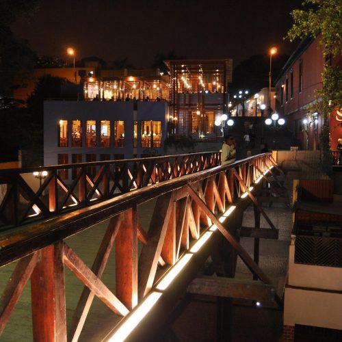 Iluminación puente los suspiros Lima
