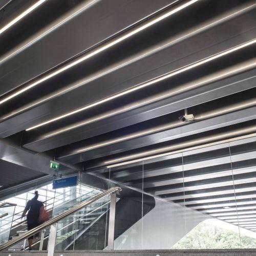 Entrada estación de LOYOLA · San Sebastián