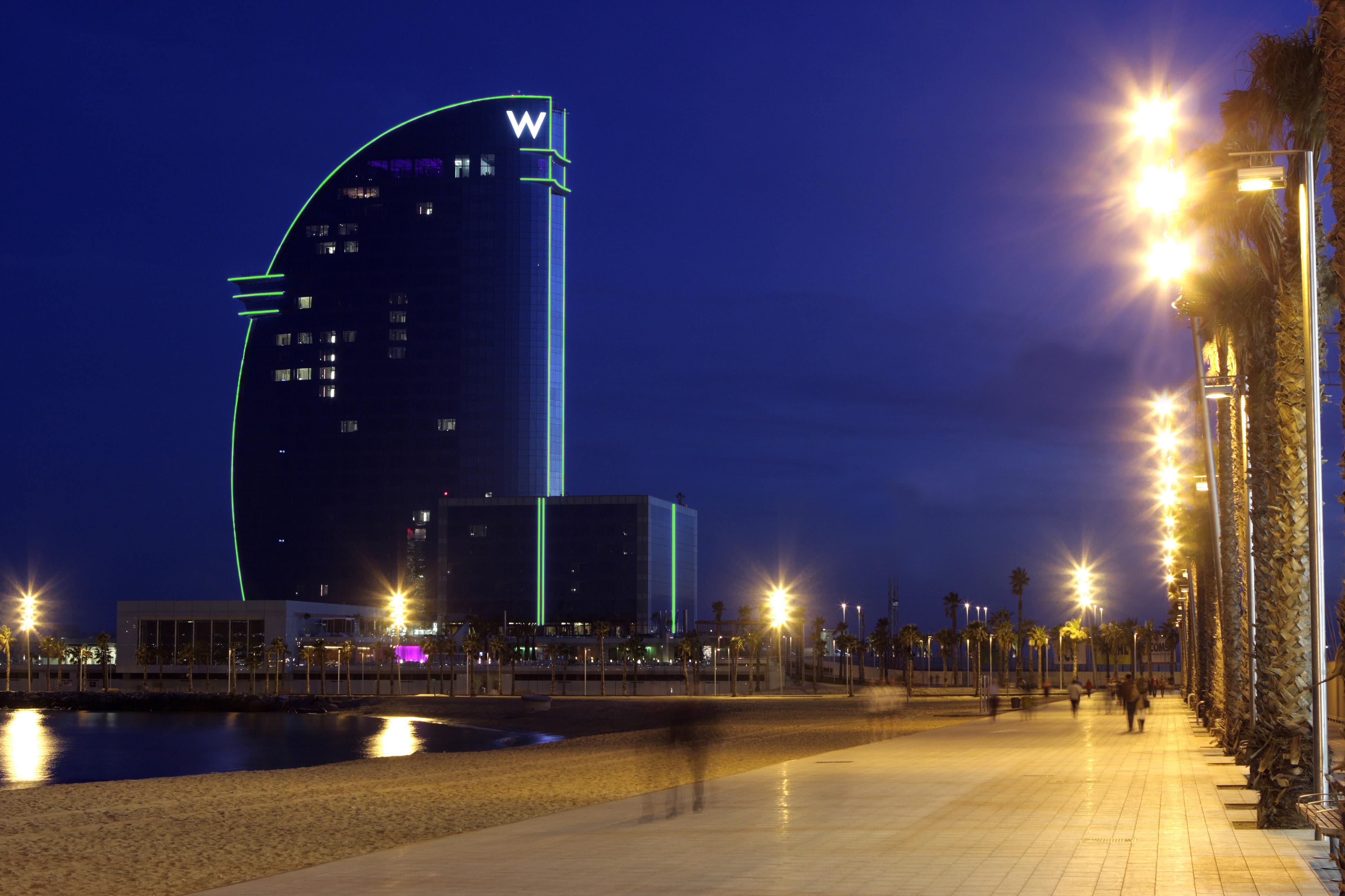 Hotel W Barcelona tira verde