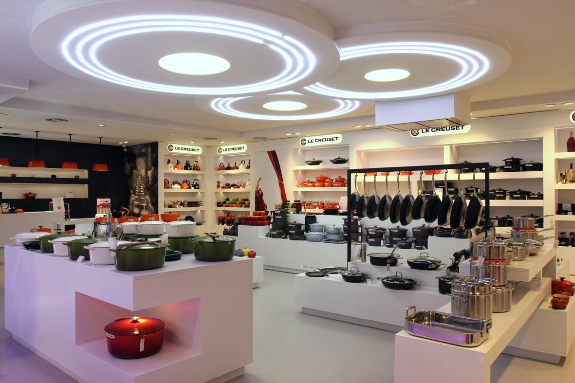 Interior tienda Le Creuset Barcelona