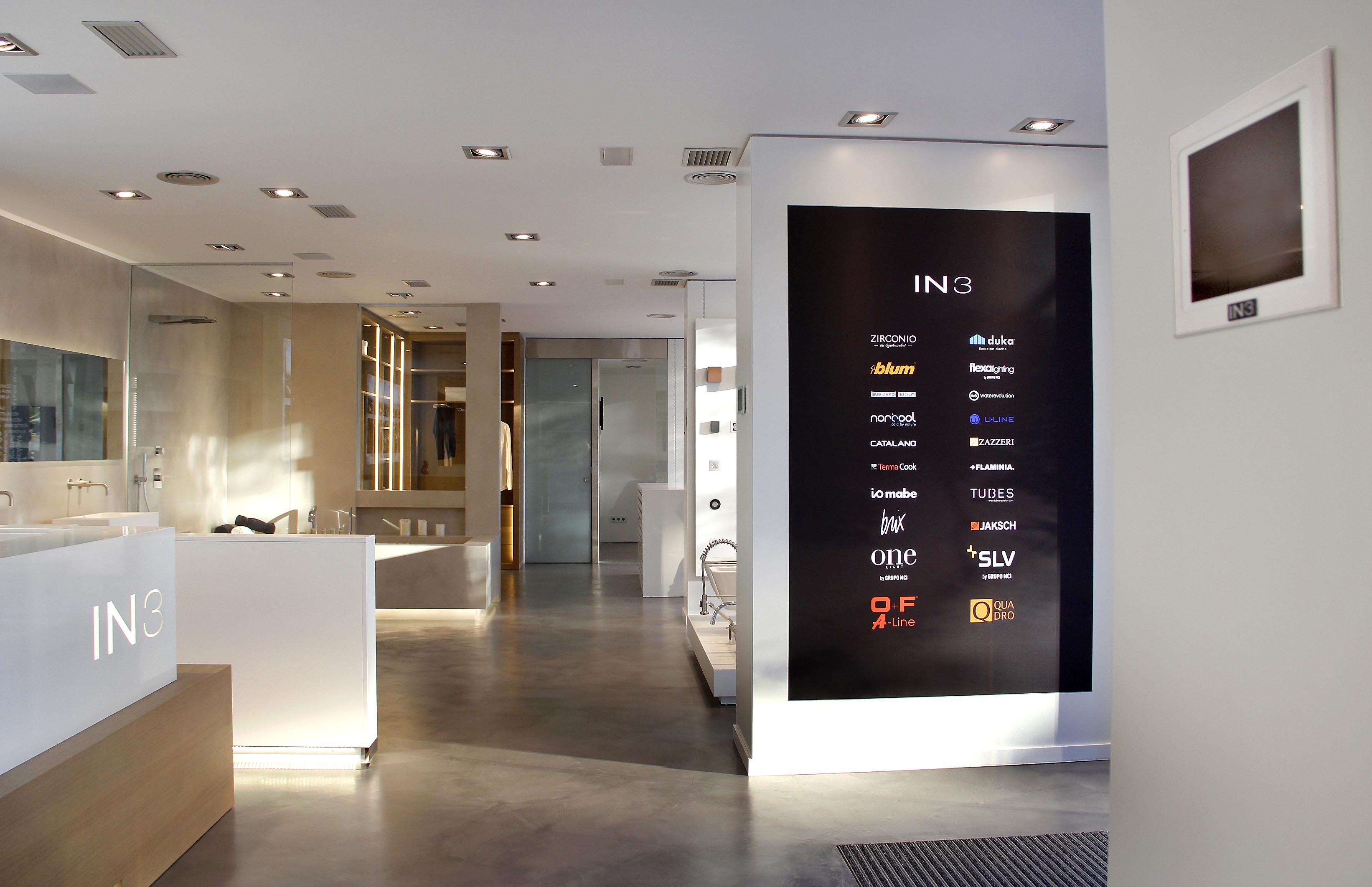 Interior tienda IN3 Gava